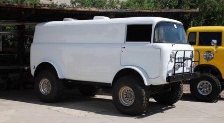 Jeep mikroautobusi un kravinieki