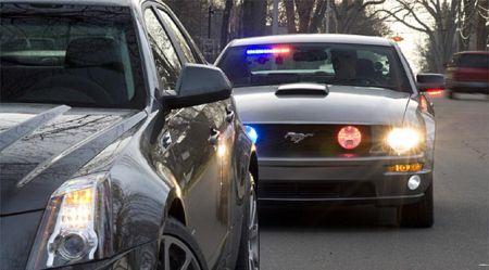 Netrafarētās policijas mašīnas-pārkāpeji