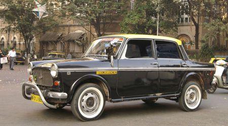 Taksīši Mumbajā − raritātes uz ceļiem