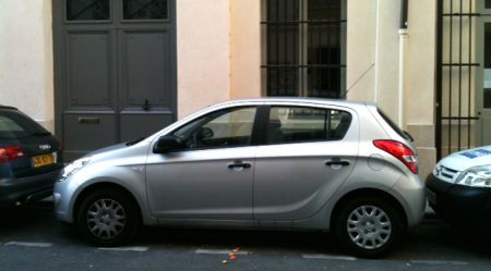 """""""Ķengarags"""" Parīzē: franču ceļu-automobiļu skices"""