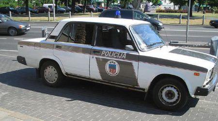 Latvijas policijas automobiļi – agrāk un tagad