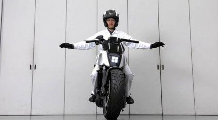 Motocikls, kurš nekrīt