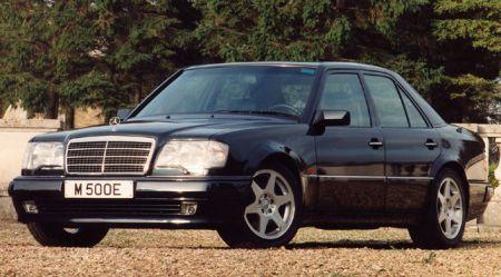 Mercedes-Benz un BMW sacensības: kā parādījās modelis 500 Е