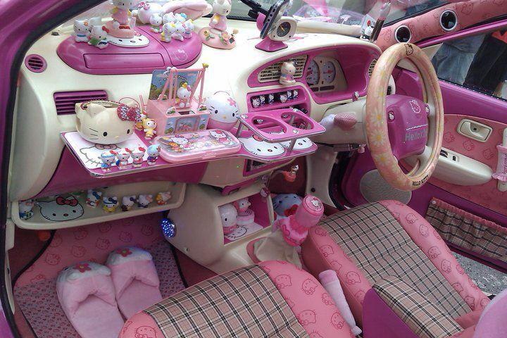 hello-kitty-car-interior