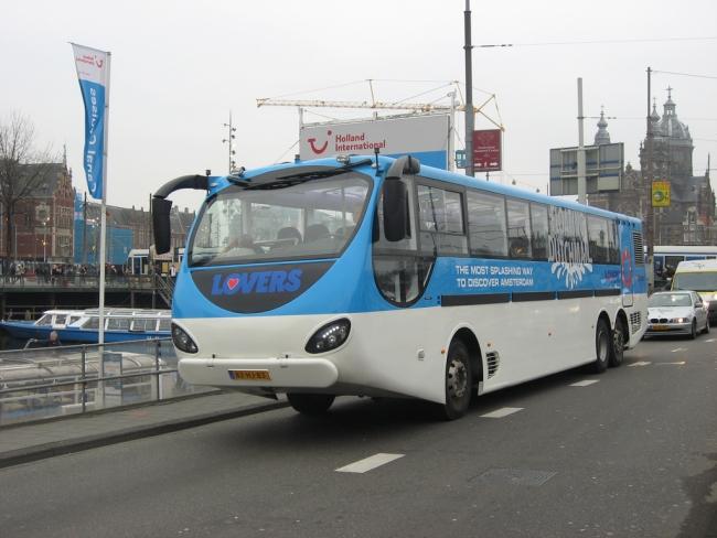 Autobuss-amfibija Amsterdamā