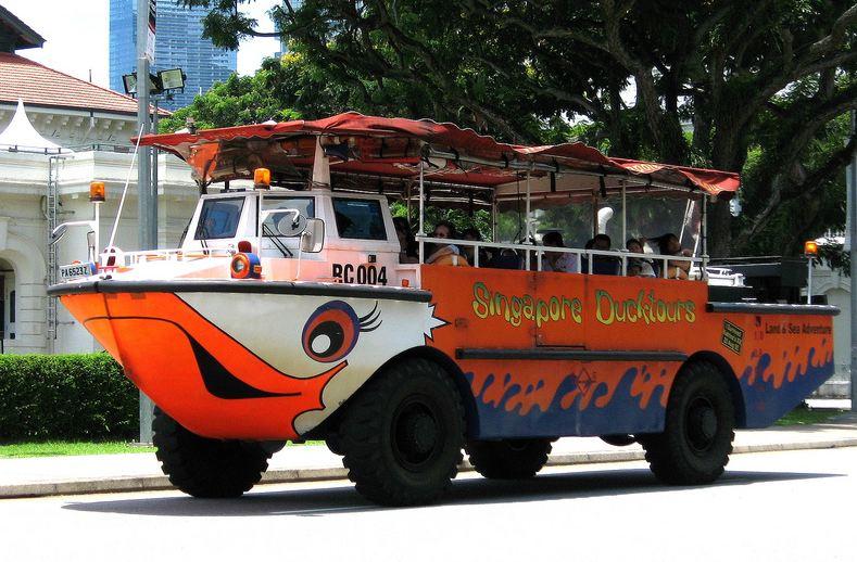 Autobuss-amfibija Singapurā