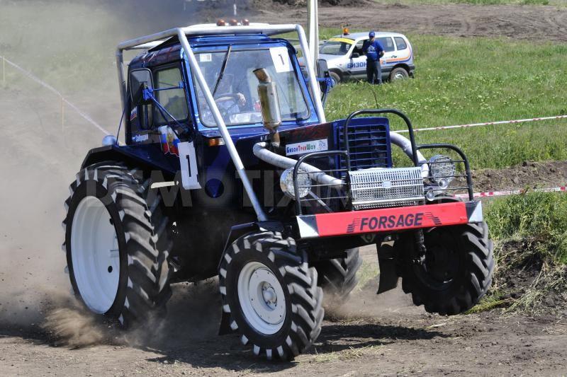 "traktors ""Belarus"""