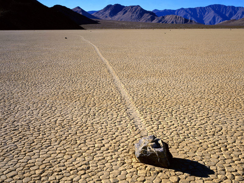 Racetrack_Death_Valley_01