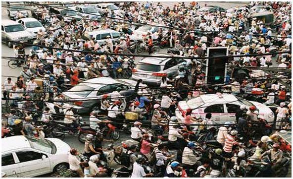 vietnam-saigon-traffic