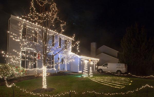 1214_USA_fire_Christmas_10