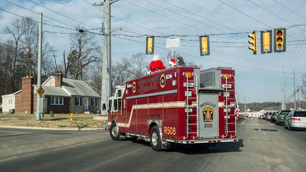 1214_USA_fire_Christmas_2