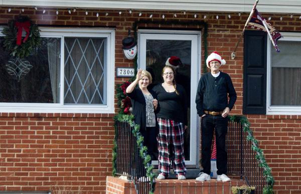 1214_USA_fire_Christmas_8