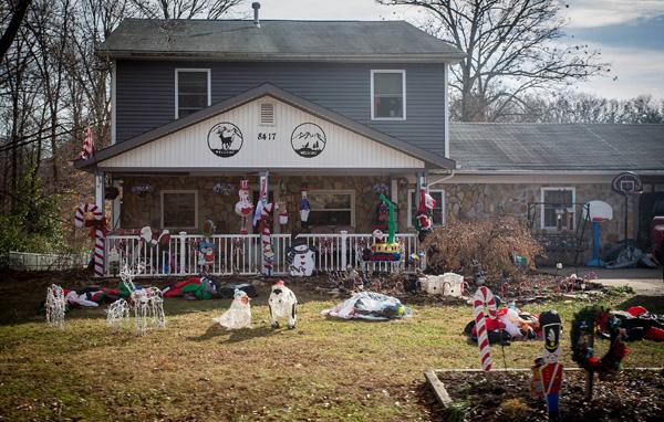1214_USA_fire_Christmas_9
