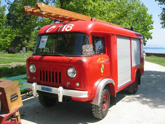 14-12_Jeep_bus_1945_11