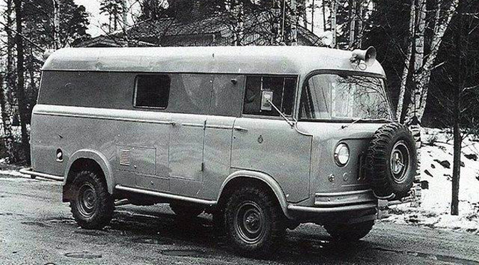 14-12_Jeep_bus_1945_16