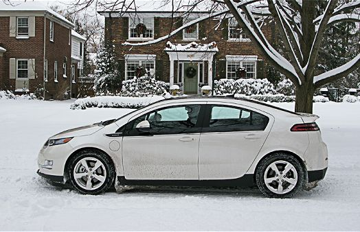 1502_chevrolet volt_snow2
