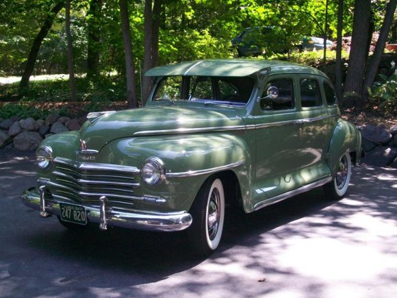 1502_kozirki_FE 1947_Plymouth_Deluxe_Front_1