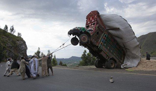 pakistan_overload