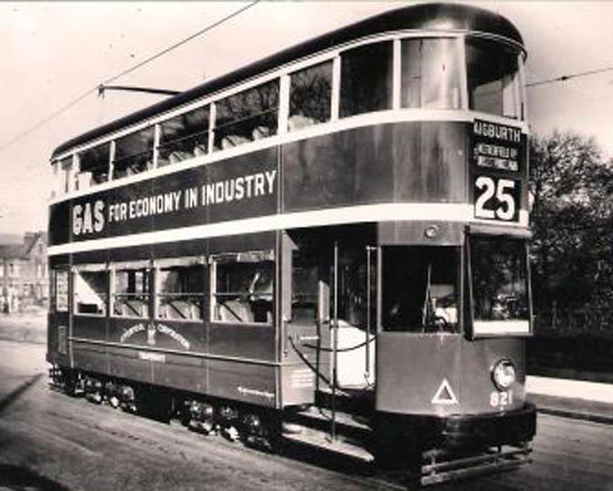 1503_London_trolleybus_tram_2