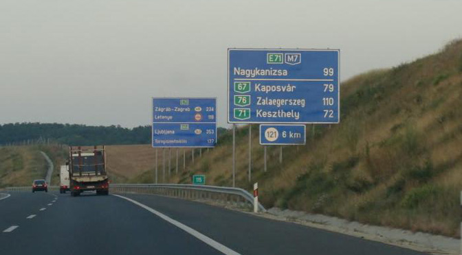 1504_Hungary_01_road