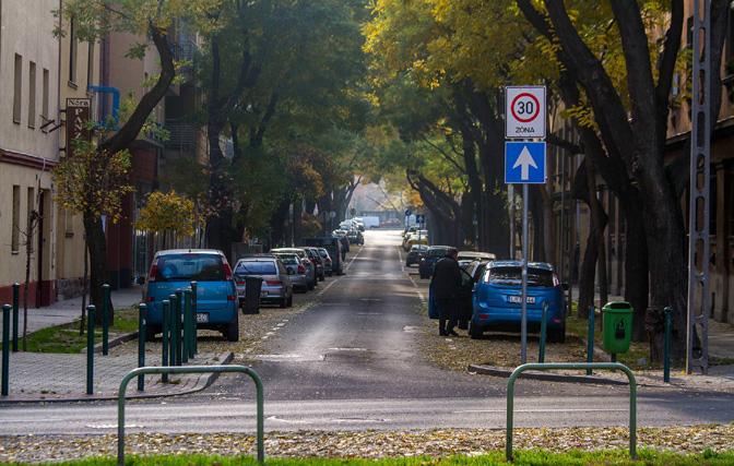 1504_Hungary_Budapest_parking (4)