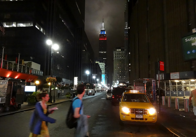 1504_usa_notes_NY-night-street-2