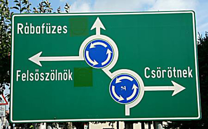 2010-08_Skrzpiec_road_sign_Hungary_august