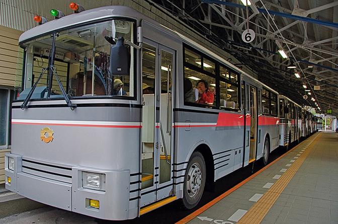 1507_underground_trolleybus_02