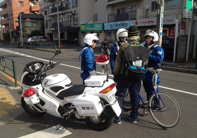 1511_Japan_velo motorcycle police