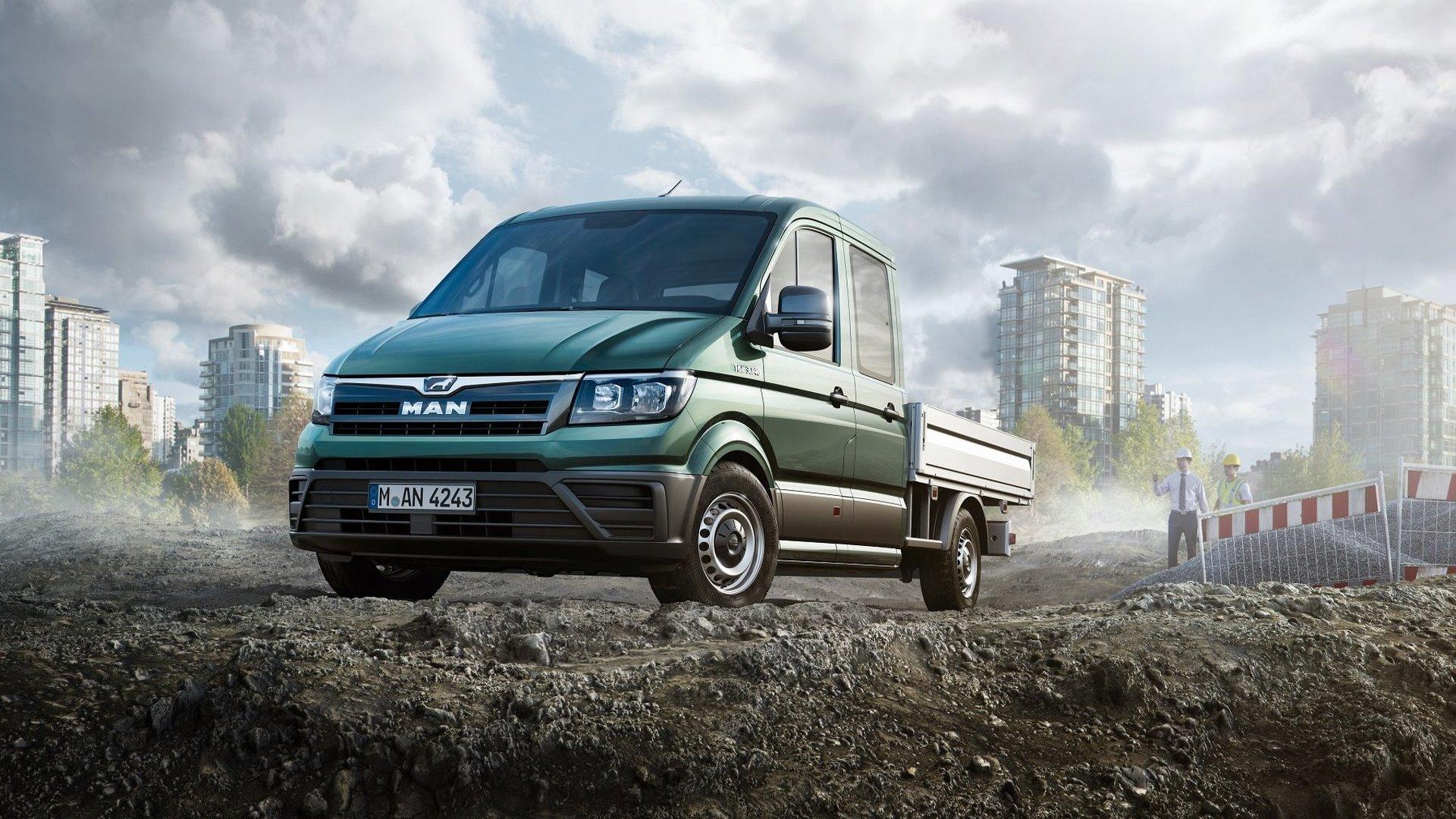 """VW koncerna vadība paredz vēl lielāku ražošanas apjoma pieaugumu, tāpēc 2016. gada nogalē Polijas pilsētā Vžesņā darbu uzsāka jauna rūpnīca, kurā ražos otrās paaudzes VW Crafter un tā """"dvīņubrāli"""" MAN TGE (attēlā)."""
